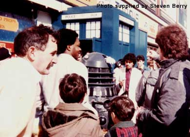 A Dalek attracts people to the Exhibition in 1984